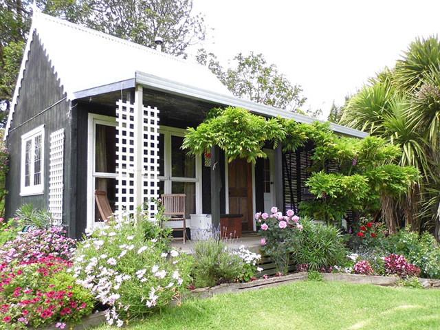 Warm Earth Cottage Romantic Retreats